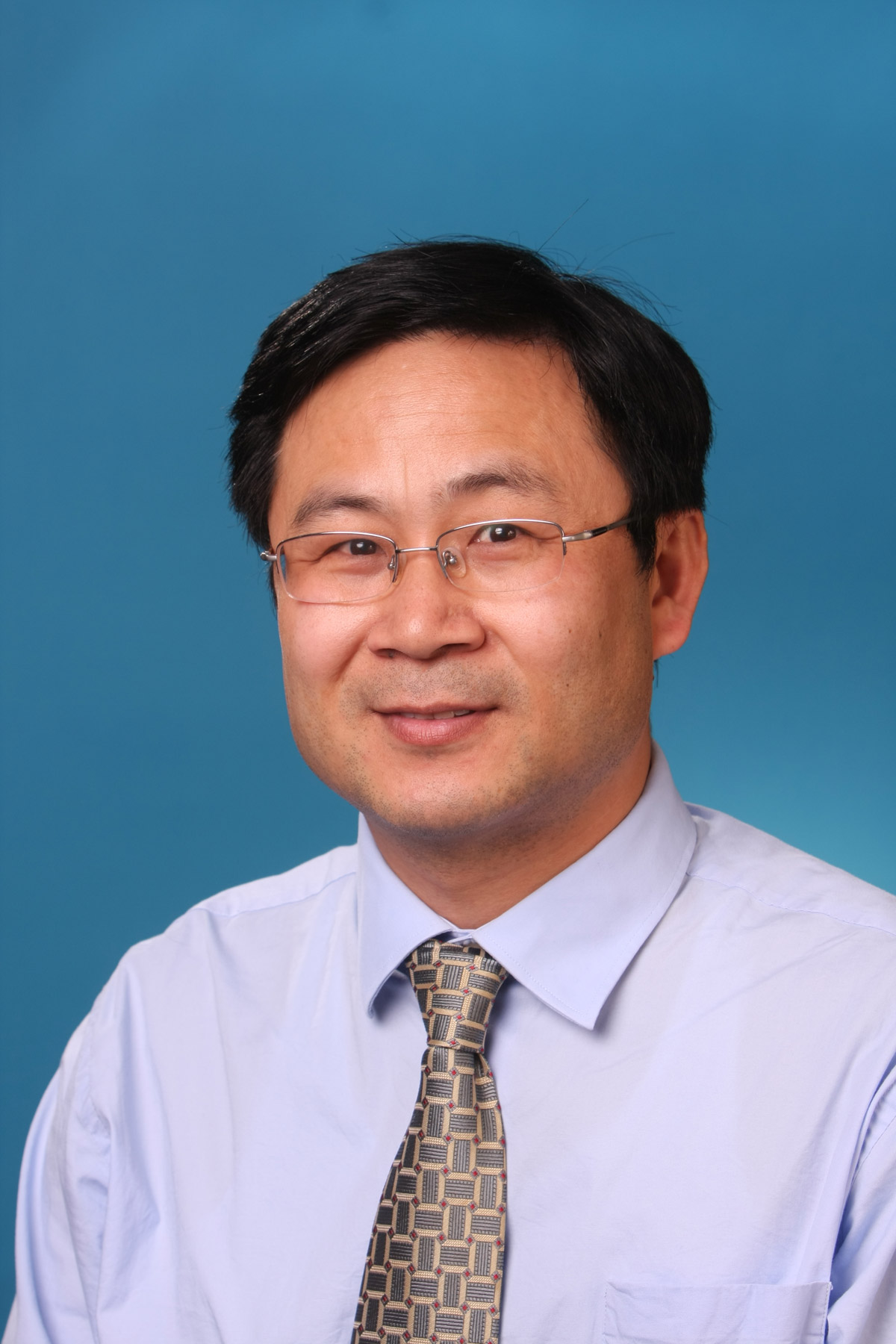 A photo of Jianqiang Wu.